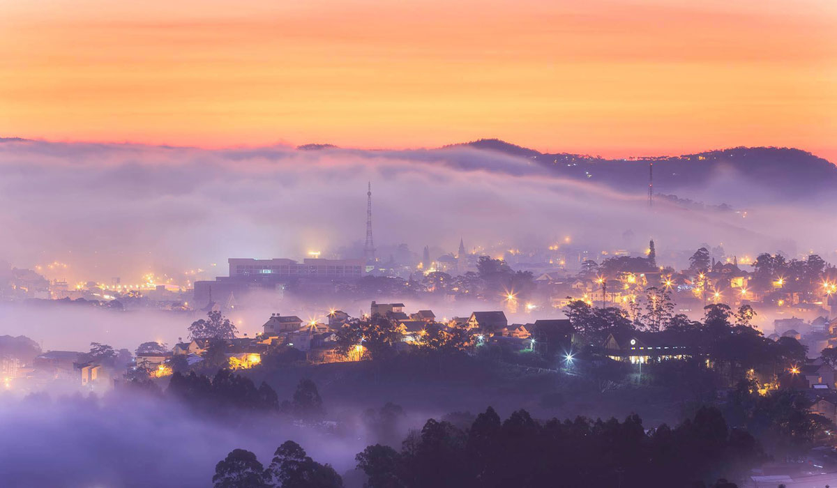 Sương mù tháng 10 Đà Lạt