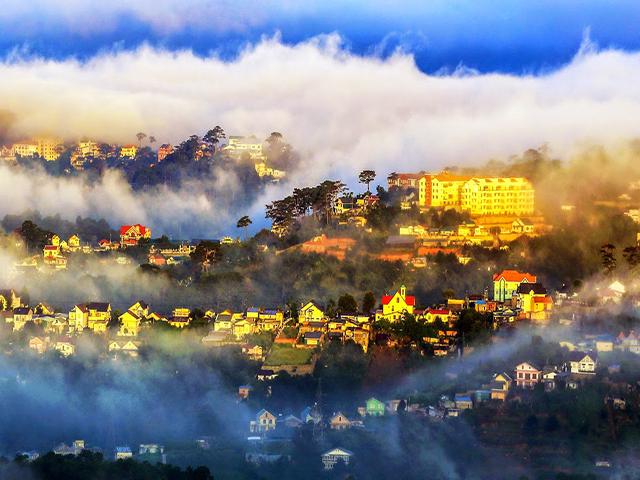 Sương mù và bình minh của Đà Lạt