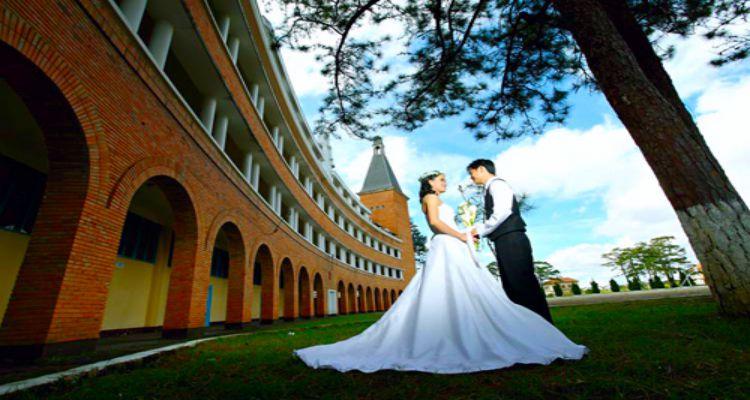 Chụp ảnh cưới tại Trường CĐSP Đà Lạt