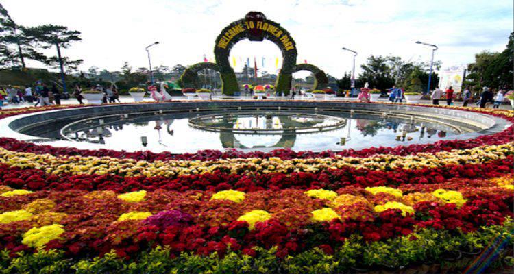 tham quan du lịch tại vườn hoa Đà Lạt