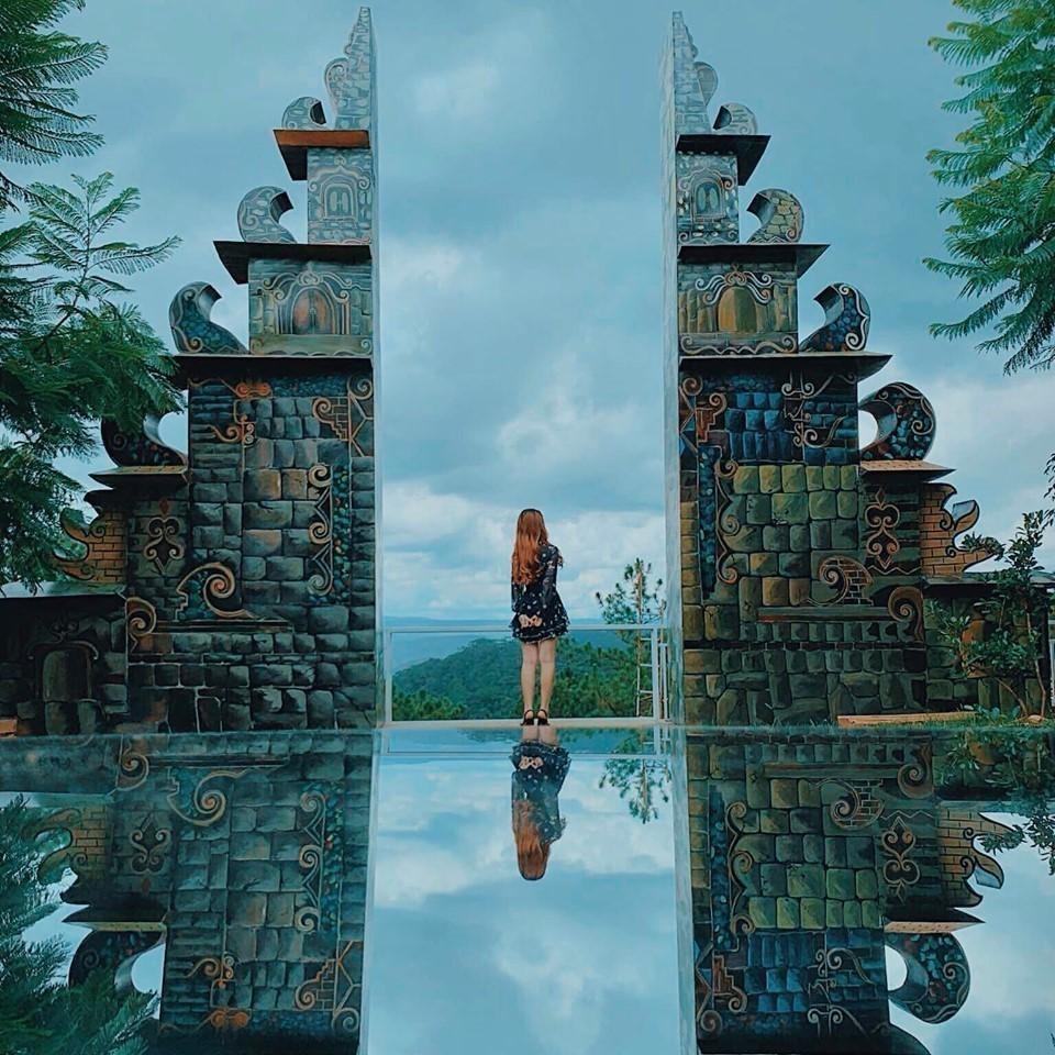 Săn ảnh ở cổng trời Bali ở Đà Lạt