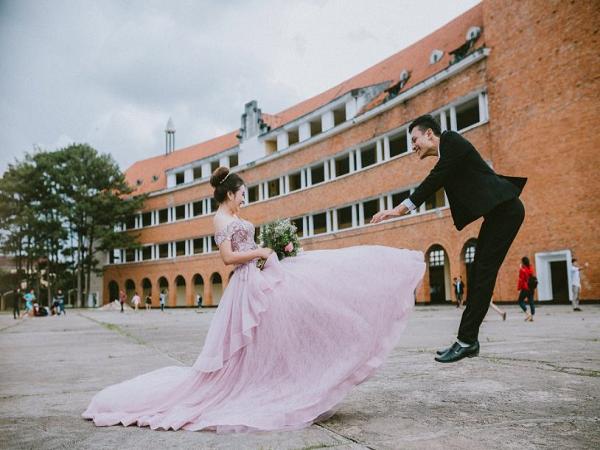 Chụp hình cưới tại Trường đại học sư phạm Đà Lạt